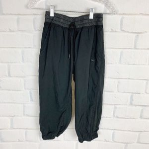 Nike Dri Fit Black Athletic Sportswear Capris S